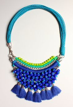 NUQUÍ blue beads statement necklace with tassels