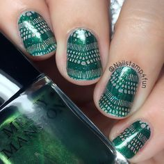 This is perfect for St. Paddy's day! Check these awesome nails by @nailstamp4fun from Instagram. __________________________________________________ Hi! For this negative space mani I used: Stamping plate: @messymansion MM56XL. Base polish: Just a little glitter using @orlynails Mirrorball. Stamping polish: @messymansion Ivy. Happy Stamping! nailstamp4fun#messymansion #orly #lacenails #negativespace #nailstamping #stamping #stampingnailart #nailart #nails #uñas #mani #notd #nailswag #nailporn…