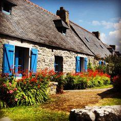 Maison traditionnelle de la presqu'ile de Crozon; Finistere.  Brittany