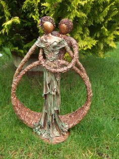 A selection of creations using Paverpol and fabric - Urney Creations Textile Sculpture, Paper Mache Sculpture, Textile Art, Sculpture Art, Garden Sculpture, Outdoor Sculpture, Outdoor Art, Paperclay, Wire Crafts