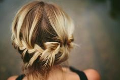 How to Chic: MESSY BRAID UPDO