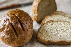 Γρήγορη συνταγή για σπιτικό ψωμί με σόδα από τον Άκη Πετρετζίκη! Τέλειο σνακ, για όλες τις ώρες! Φτιάξτε αφράτο ψωμί σόδας για να συνοδέψετε τα φαγητά σας!!