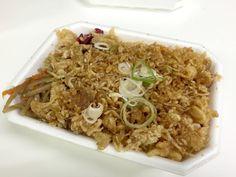 米と揚げ玉が1:1! 超カロリー上等「わせだの弁当屋」の『たぬき丼』が男らしすぎる!! しかもたったの250円ッ!!