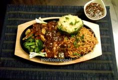 Step by step recipes to make Paneer Chilli Sizzlers with Noodles