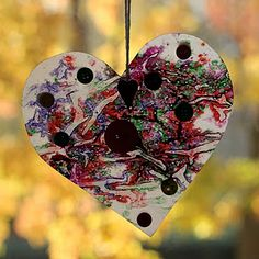 crayon button heart ornament- Day 1- focus on Mary (ponder what was in her heart on the day Christ was born)