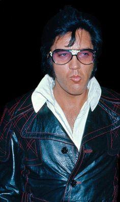 Elvis pucker