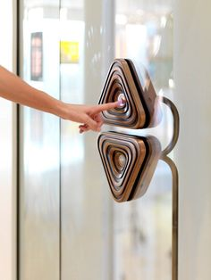 Pacific Place Bubble Elevators by Thomas Heatherwick is a Sensual Experience of Texture, Form and Materiality — Elevator Scene Elevator Buttons, Thomas Heatherwick, Elevator Lobby, Pacific Place, Lobby Reception, Lift Design, Lifted Cars, Luxury Apartments, Architecture Design