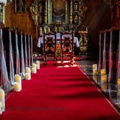 dekoracja kościoła słoneczniki świece
