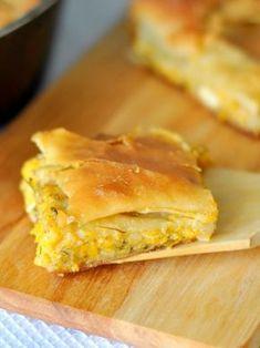 kolokithopita Greek Pita, Cheese Pies, Calzone, Spanakopita, Greek Recipes, Bakery, Recipies, Food And Drink, Appetizers