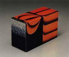Maki-e lacquer box by National Living Treasure of Japan, Yoshikuni TAGUCHI (1923~1998)