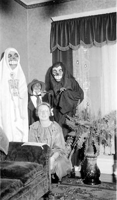 70 Vintage Halloween Costumes That Were Really Creepy | Stuff You Should Know