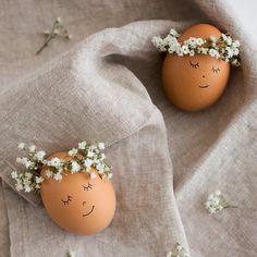 """#almostspring#almost#spring#lente#voorjaar#almosteaster#easter#pasen#egg#eggs#ei#eieren#floralwreath#floral#wreath#egg#ei#eggs#eieren#flowers#bloemetjes#lovely#lief#brononbekend#sourceunknown#abmlifeiscolorful#makeyousmilestyle"""