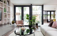 Wilt u ons inspiratiemagazine aanvragen? New Living Room, Home And Living, Living Spaces, Novo Design, Color Schemes Colour Palettes, My Dream Home, Interior Inspiration, Family Room, Sweet Home