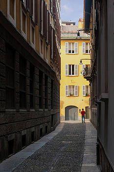 A quiet backstreet in Milan, Italy. #milan #sidestreet
