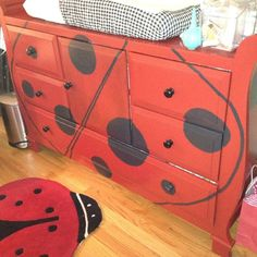 My friend Marni had her Dad strip and old dresser, sand it down and paint it for her daughters ladybug room theme. Ladybug Room, Ladybug Garden, Ladybug Party, Lady Bug, Baby Batman, Class Decoration, Old Dressers, How To Make Diy, Love Bugs