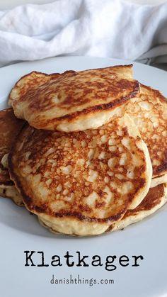 Jam Jam, Danish Food, Scandinavian Christmas, Vegan Vegetarian, Breakfast, Yummy Treats, Smoothie, Cake Recipes, Pancakes