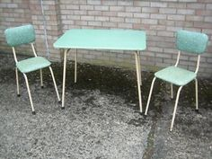Loving this formica table and chairs