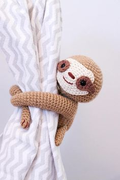 Crochet sloth curtain tie back pattern left or right side