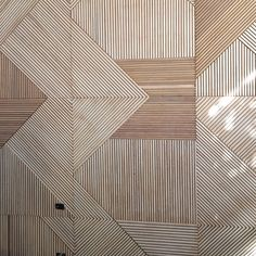 Timber Feature Wall Lines Timber Feature Wall, Timber Wall Panels, Feature Wall Bedroom, Timber Walls, Timber Panelling, Feature Tiles, Bedroom Wall, Deco Originale, Wall Finishes