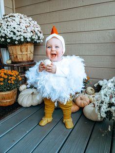 Toddler Chicken Costume, Chicken Costumes, Toddler Duck Costume, Baby Chicken Halloween Costume, Diy Halloween Costumes For Girls, Cute Baby Costumes, Costumes Kids, Family Halloween, Costumes For Twins