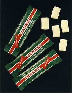 The chewing gum from childhood that first put in xylitol (birch sugar, founded in Finland) as sweetener and hardener of the teeth enamel Childhood Toys, Childhood Memories, Vintage Toys, Retro Vintage, Retro Candy, Good Old Times, Remember The Time, The Old Days, Old Ads