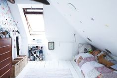 bed eaves | Bed under the eaves | Cape Interior Inspiration | Pinterest