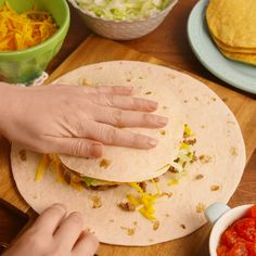 What's better than Taco Bell? Homemade Taco Bell! Make a delicious Crunchwrap Supreme at home with this easy to follow recipe.#catfood #pet #animals #homemadecatsfood Taco Bell Recipes, Beef Recipes, Cooking Recipes, Healthy Recipes, Tasty Videos, Food Videos, Recipe Videos, Crunch Wrap Supreme Recipe, Homemade Crunchwrap Supreme