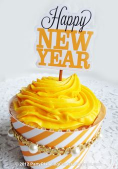 Printable New Year cupcake topper and wrapper