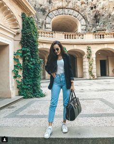 Blue Jean Outfits, Feeling Fine, One Color, Colour, Blue Jeans, School Ootd, Mom Jeans, Style Inspiration, Pants