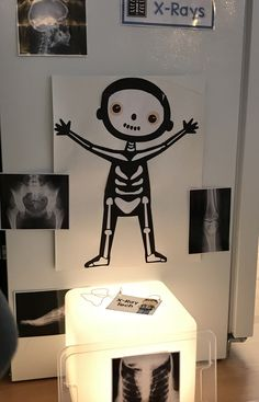 Simple x-ray department Preschool Science, Preschool Lessons, Science Activities, Toddler Activities, Dramatic Play Area, Dramatic Play Centers, Homemade Kids Toys, Tante Emma Laden, Community Helpers Crafts