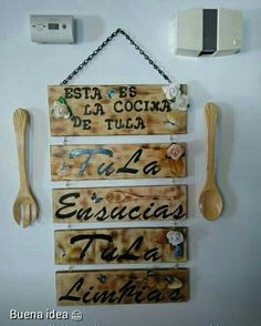 Buenas ideas para decorar tu cocina.. Mexican Kitchen Decor, Mexican Home Decor, Interior Design Living Room, Living Room Designs, Diy Home Decor Bedroom, Mug, Rustic Farmhouse Decor, Wall Signs, Ideas Para