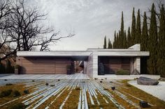 front yard / Horizontal House by 81.WAW.PL