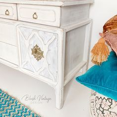 Who needs some Moroccan vibes in their life? I promised myself I wasn't going to be purchasing anymore project pieces but I couldn't help… Upcycled Furniture, Furniture Projects, Furniture Makeover, Vintage Furniture, Cool Furniture, Painted Furniture, White Furniture Inspiration, Wood Dresser, How To Distress Wood