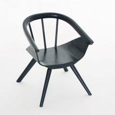 chaise enfant Eames 160 euros.jpg