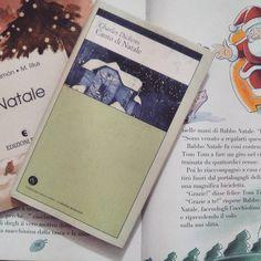 """""""Se potessi fare a modo mio ogni idiota che se ne va attorno con cotesto """"allegro Natale"""" in bocca avrebbe a esser bollito nella propria pentola e sotterrato con uno stecco di agrifoglio nel cuore. Sì proprio!"""" Non è Natale senza Canto di Natale di Charles Dickens per me IL libro natalizio per eccellenza!  Qual è invece il vostro libro di Natale?  #christmasunicornbookchallenge - """"Charles Dickens""""  #Dickens #natale #cantodinatale #libro #leggere #lettura #libri #book #books #bookstagram…"""