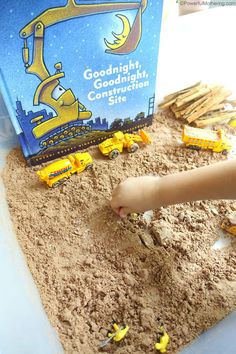Goodnight Goodnight Construction Sensory Bin - Rachel Conover - Goodnight Goodnight Construction Sensory Bin Pair your kids favorite book Goodnight, Goodnight Construction Site with a sensory activity! Make chocolate cloud dough and play construction! Sensory Bins, Sensory Activities, Sensory Play, Book Activities, Sensory Table, Classroom Activities, Water Games For Kids, Indoor Activities For Kids, Toddler Activities