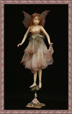 Melody - Tina Kamerbeek. Baby Fairy, Love Fairy, Dress Tutorials, Art Tutorials, Fairy Clothes, Doll Clothes, Kobold, Fairy Dress, Old Dolls