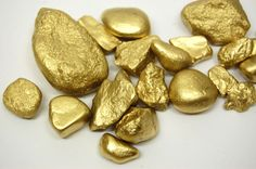 Pirate Treasure for Pirate Themed Party: Rocks Spray Painted Gold = Treasure Pirate Fairy Party, Pirate Birthday, Mermaid Birthday, Boy Birthday, Birthday Parties, Treasure Hunt Birthday, Indiana Jones Birthday Party, Pirate Party Games, Pirate Activities
