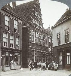 Hoek Gerecht-Lokhorststraat (ca. 1910).