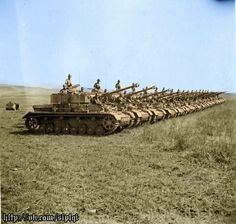 A long line of Panzer 4 tanks belonging to the Afrika Corps (DAK)