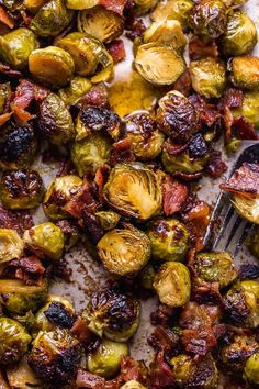 No one will complain about eating their veggies when you're serving these Crispy Honey Mustard Brussels Sprouts with Bacon! These roasted sprouts are coated in homemade … Crispy Brussel Sprouts, Roasted Sprouts, Sprouts With Bacon, Brussels Sprouts, Honey Balsamic Brussel Sprouts, Homemade Honey Mustard, Honey Mustard Sauce, Sprout Recipes, Vegetable Recipes