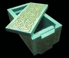 Caja Celta Decorative Boxes, Home Decor, Geek Crafts, Celtic, Drawers, Hand Made, Decoration Home, Room Decor, Home Interior Design