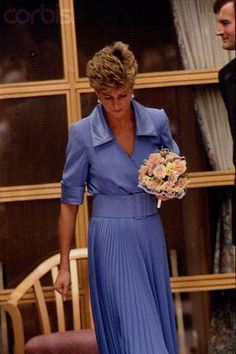 DIANA. THE DAY THAT SHE CRIED IN PUBLIC !!!
