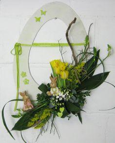 bloemstuk decoratie voorjaar pasen ei