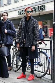 London Fashion Week February 2015 | Street styles by Team Peter Stigter | #wefashion