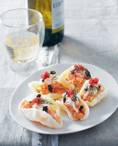 Prawn crackers with salmon, salmon roe and nori recipe from Taste of Australia by Lyndey Milan | Cooked