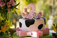 Farm Birthday Cakes, 2nd Birthday Party Themes, Farm Animal Birthday, Cowgirl Birthday, Birthday Cake Girls, Cowgirl Party, Cow Cakes, Farm Cake, Farm Party