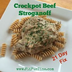 Crockpot Beef Stroganoff - 21 Day Fix approved! For more easy and clean recipes, head over to http://www.FitFunTina.com.