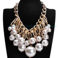 Fashion Gold Metal Thick Chain White Big Pearl Beads Cluster Pendant Necklace