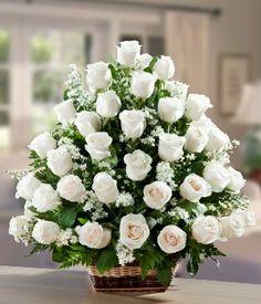 Saflığın ve temizliğin en güzel simgesi beyaz güller, kalbini size kaptırdı. Sepette cipso ve yeşilliklerle süslenmiş 40 adet beyaz gül ile hazırlanmış bu özel aranjman, sevdiklerinizin hayatına ışıltı katacak!